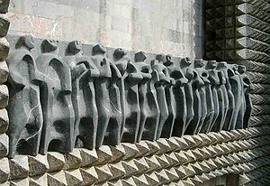 Jorge Oteiza - Oteiza Apostoluak (The apostles), sculptures on the Monastery of Arantzazu, hollowed out stone, 1950