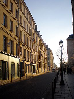Rue de Fourcy en direction du pont Marie.