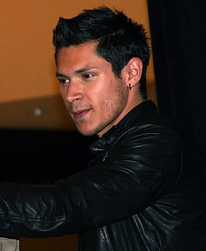 Alex Meraz - Meraz at a Twilight Saga: New Moon promotional appearance in Houston, Texas, November 10, 2009
