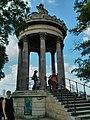 Paris - Parc des Buttes-Chaumont - panoramio.jpg