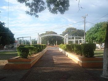 Paseo central de la Plaza en MRA