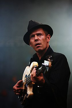 Paul Simonon mg 6701c.jpg