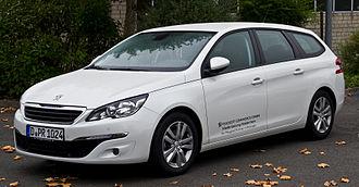 Peugeot 308 - Image: Peugeot 308 SW 130 e THP 130 Active (II) – Frontansicht, 5. Oktober 2014, Ratingen