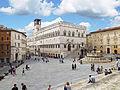 Piazza IV Novembre - Palazzo dei Priori e Fontana Maggiore 01.jpg