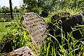 Pierre tombale du cimetière de l'ancienne église Saint-André, Saint-André-des-Eaux, France.jpg
