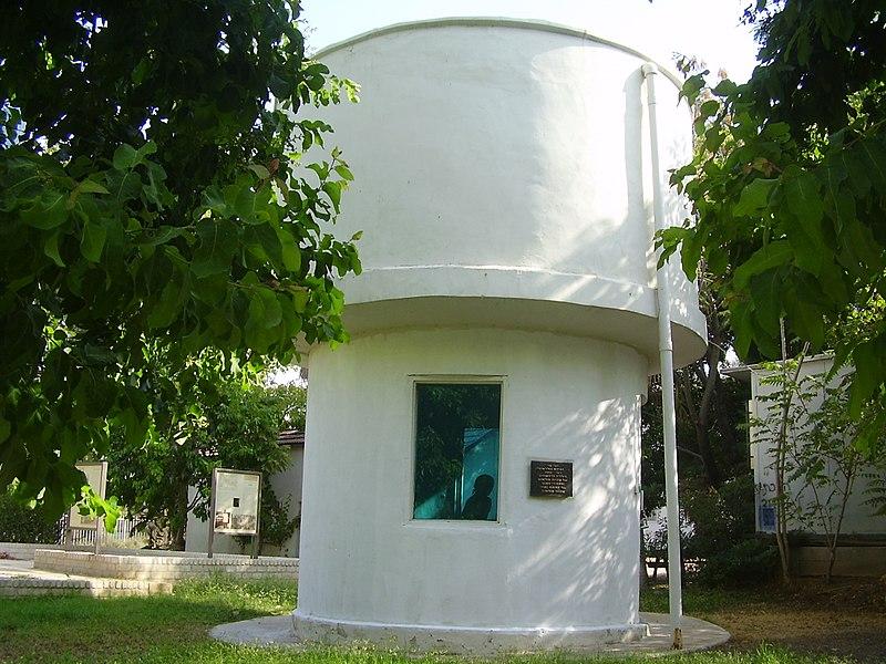 מגדל המים של משק הפועלות בשכונת בורוכוב