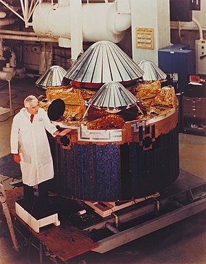 Pioneer Venus 2 inspection.jpg