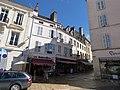 Place de la Halle, Beaune - Les Baltardises (34805666954).jpg