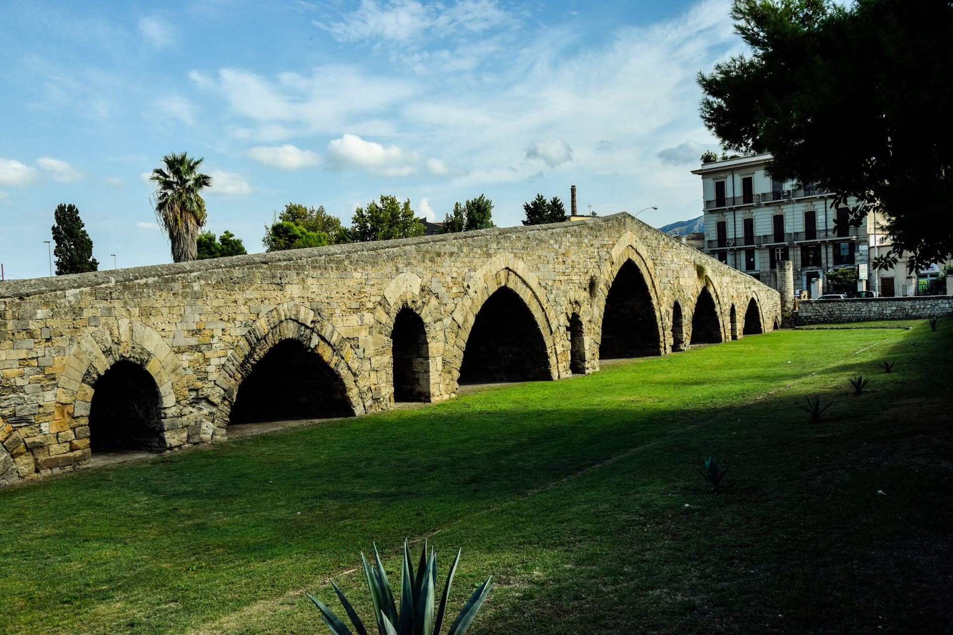 Ponte dell'Ammiraglio, Palermo.jpg