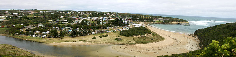 File:Port Campbell - Victoria - Australia.jpg