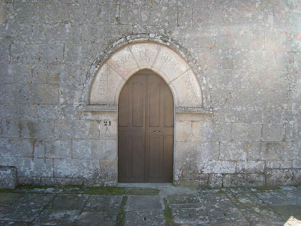 Portada occidental da igrexa de Santiago de Soutomaior, Taboadela