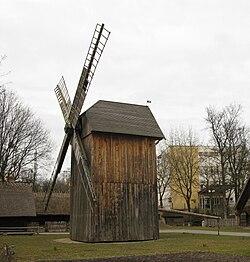 Post mill Toruń.jpg