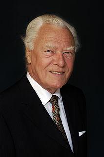 Poul Schlüter Danish politician and former Prime Minister of Denmark