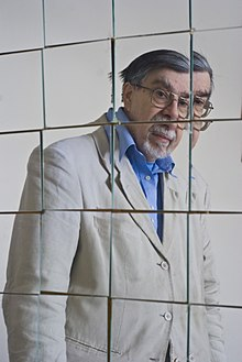 Dr Jones reflected in a set of mirrors he positioned to emulate Archimedes mirror attack on ships in Syracuse