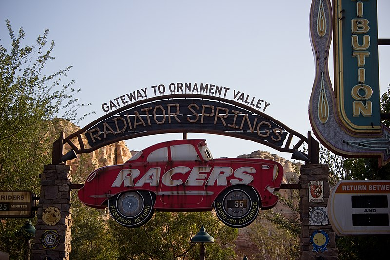 File:Radiator Springs Racers entrance sign.jpg