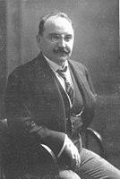 Rainer Simons (1867–1934) um 1915.jpg