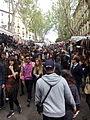 Rastro de Madrid, crowded, España, 2015.jpg