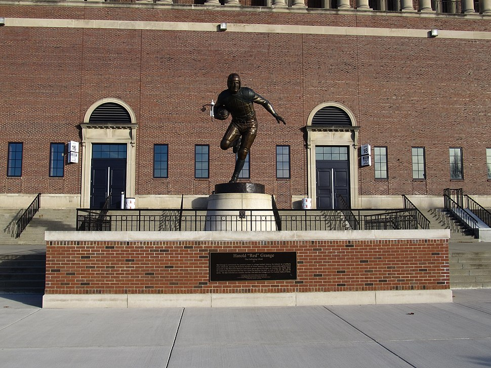 Red Grange Statue