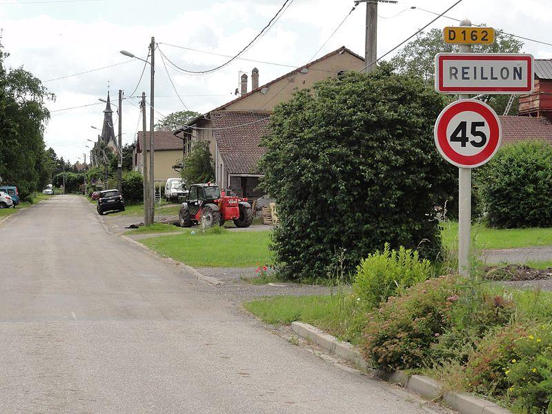 Reillon (M-et-M) city limit sign