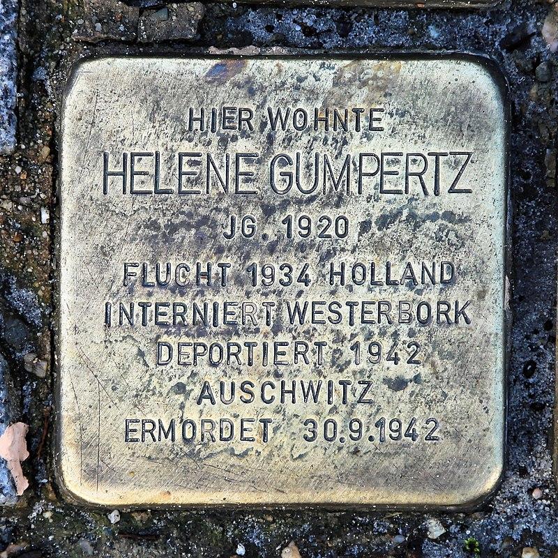 Rhauderfehn - Rhauderwieke - 3 - Stolpersteine Gumpertz, Helene 01 ies.jpg