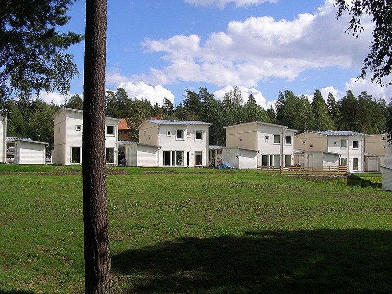 Nybyggda villor i Riksten sommaren 2008