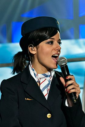 Rmjalizee-20120204-French Singer Alizée at Les Enfoires 2012 in Lyon France- DSC9848bis.jpg