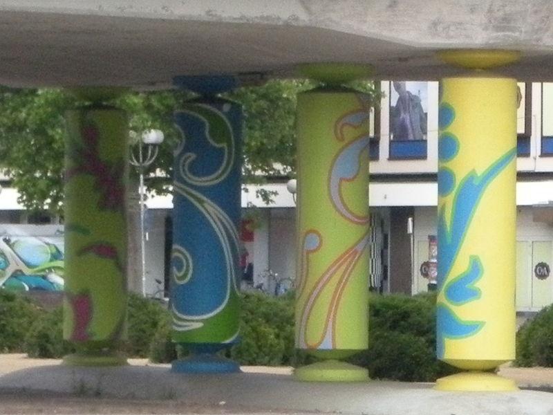 File:Roermondsepoort Venlo zuurstok.jpg