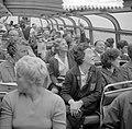 Rondvaart Europese roeisters door Amsterdam, Meike Vlas krantenbelangstelling, Bestanddeelnr 916-7177.jpg
