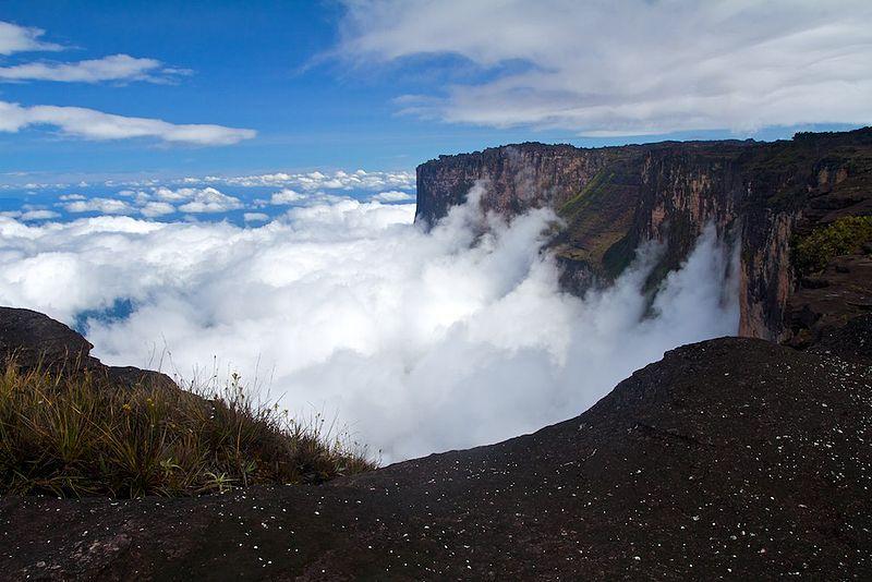 File:Roraima cliffs1.jpg
