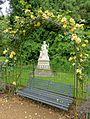 Rose arbor - Waddesdon Manor - Buckinghamshire, England - DSC07561.jpg