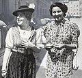 Rosette Anday (1903–1977) und Margit Bokor (1903–1949) © Wilhelm Willinger (1879–1943) OeNB 8075049.jpg