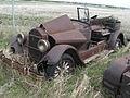 Rusty Vintage Car (2535894229).jpg
