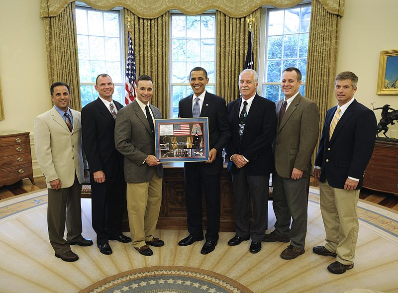 File:STS-119 Crew Presents Montage to President Obama DVIDS840374.jpg