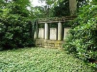 S Waldfriedhof Grab Baelz.jpg