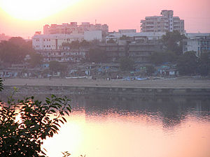 Sabarmati Riverfront - Slums on the bank before construction