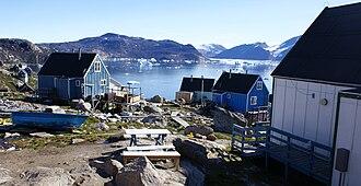 Kullorsuaq Island - Neighboring Saqqarlersuaq Island seen from the Kullorsuaq settlement.