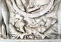 Sarcofago 25, con clipeo defunti e figure mitologiche 04.JPG