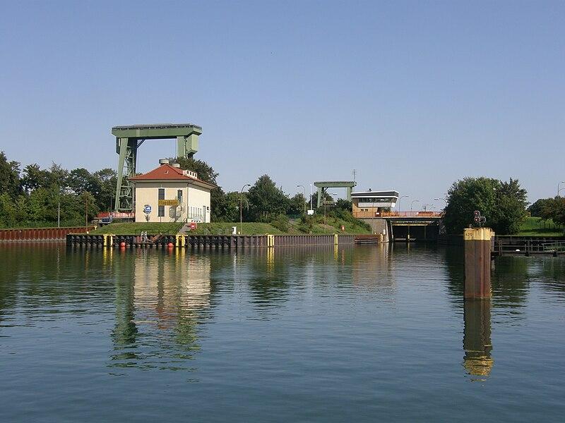 File:SchleuseFlaesheim21.jpg