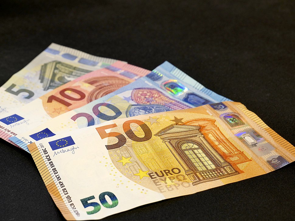 Second serie 5, 10, 20, 50 Euro banknotes