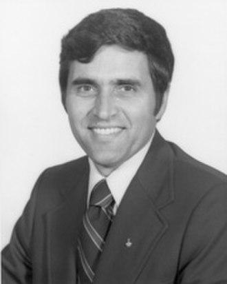 Harrison Schmitt - Image: Sen Harrison Schmitt