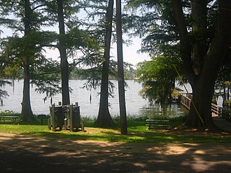 Lake Bruin State Park - Image: Shaded area at Lake Bruin Park IMG 1254