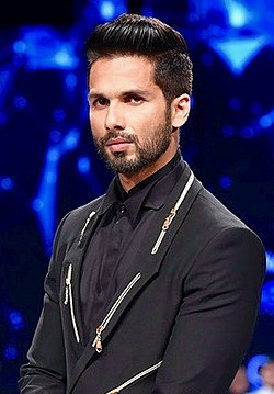 Shahid Kapoor at GQ Fashion Nights.jpg