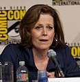 Sigourney Weaver answers a question (cropped).jpg