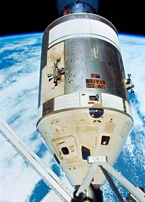 Apollo Command/Service Module - Apollo CSM in white for a Skylab mission, docked to the Skylab space station