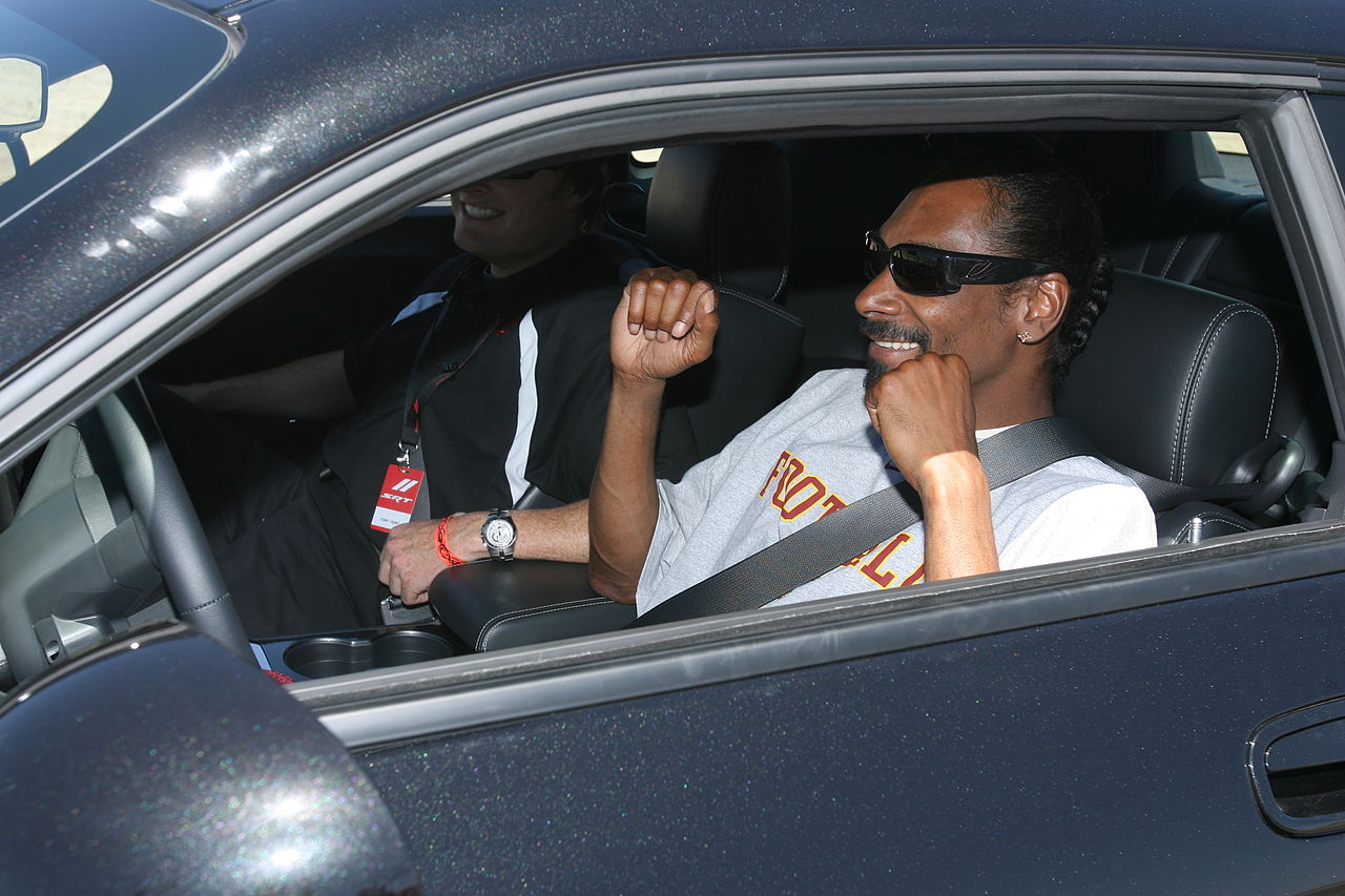 File Snoop Dogg In Car Jpg Wikimedia Commons