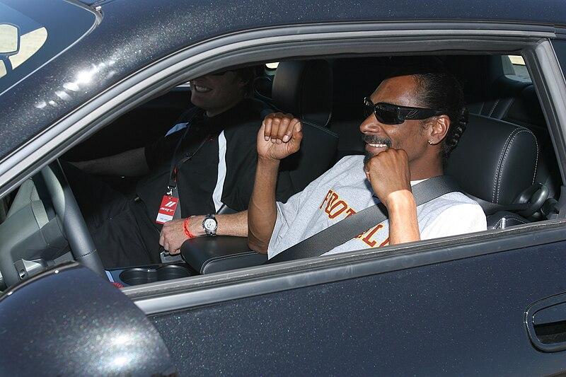 File:Snoop Dogg in car.jpg