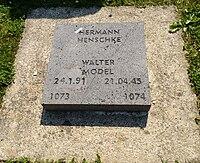 Soldatenfriedhof vossenack walter model.jpg