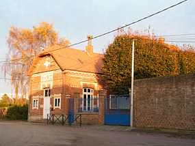 Sourdon (Somme) France mairie-école.jpg