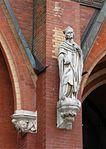St. Johann Baptist Statue am Haupteingang Haidhausen-3.jpg