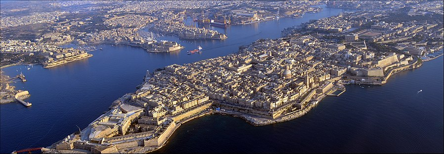 Aerial view showing the exterior and interior outlines of Valletta St Lazarus Curtain.jpg